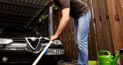 Как убрать бензин или масло с асфальта: варианты решений