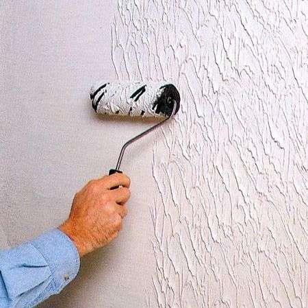 Чем можно выкрасить обои на стене