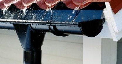 Пластиковый водосток: как сделать отливы на крыше своими руками – этапы установки