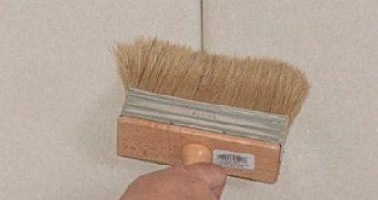 Нужна ли грунтовка для гипсокартона под шпаклевку: типы материала и особенности его нанесения